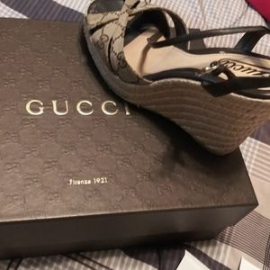 Authentic Size 7 1/2 Gucci Wedge Sandal